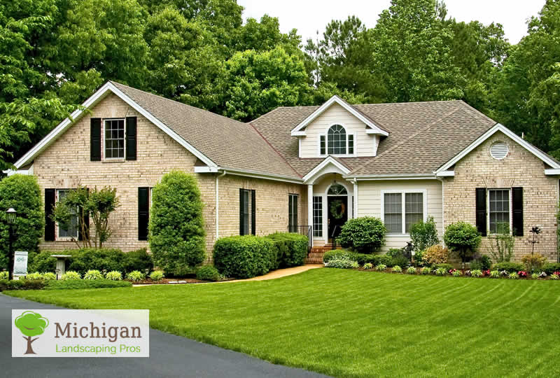 Get residential landscaping maintenance to ease your for Professional landscape
